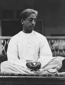 jiddu-krishnamurti-pose-meditacio1
